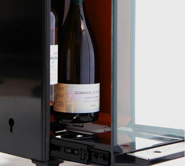 vinomatic le distributeur de vin au verre la cit des sciences la cr a fran aise. Black Bedroom Furniture Sets. Home Design Ideas